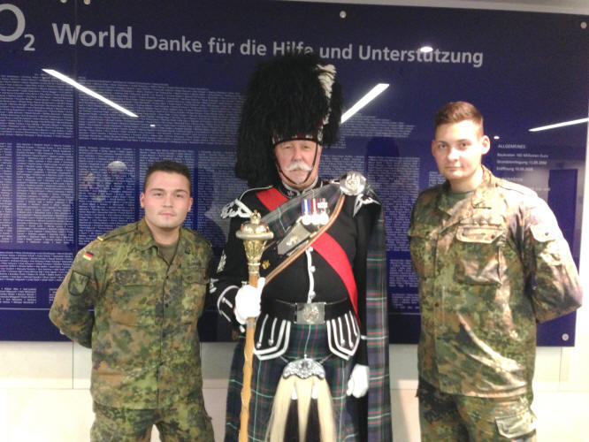 Jim with two of the Army helpers at the Berlin Tattoo 2012